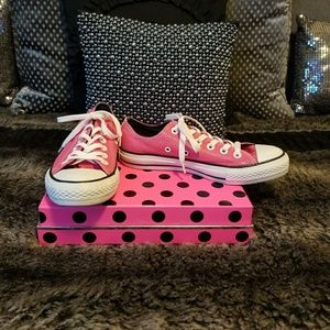 Converse Low Top Pink & White Sneakers~ size 7